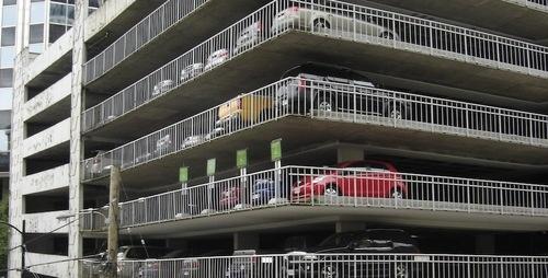 Ritrovare l'auto nel parcheggio: un problema di privacy?