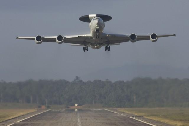 Occhi aperti della NATO sulla Libia, dal cielo