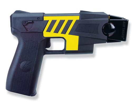 Un'arma che fa molto discutere. Taser, ovvero la pistola elettrica.