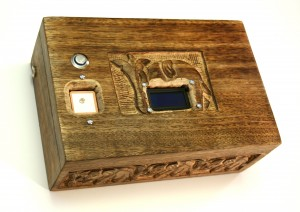 صندوق الأحجية المتصل بالقمر الصناعي: كان يُقدم في البداية كهدية زفاف…