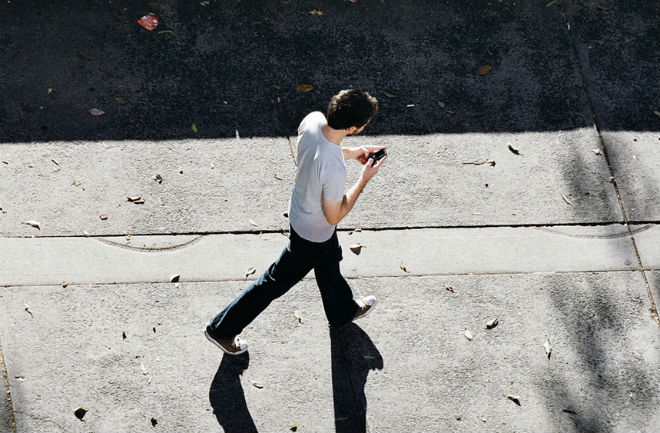 Texting while walking, accidents on the rise