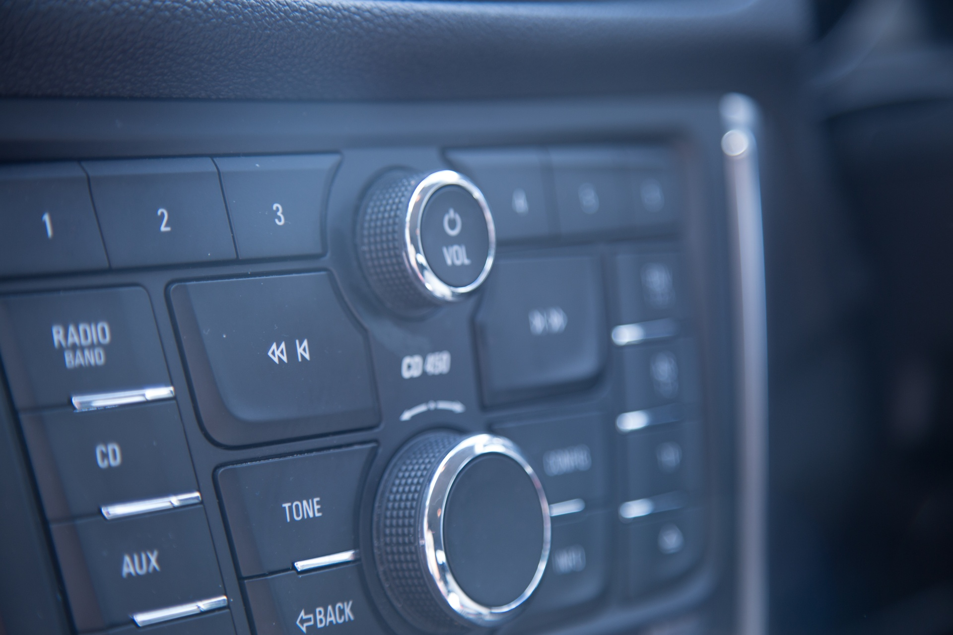 Spy listening bugs for cars: which device is best to use?
